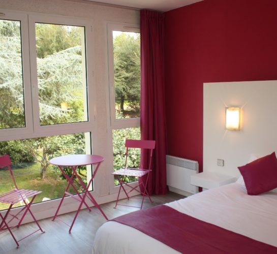 Chambre mezzanine-cote-sud-en-espadrilles-salon