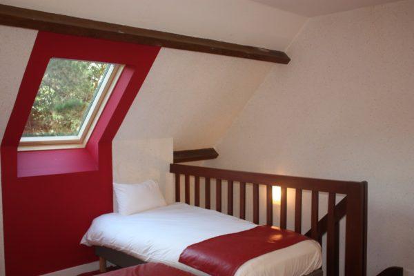 Chambre mezzanine-cote-sud-rouge-coquelicot-etage
