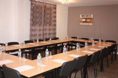 seminaire Latitude Ouest-salle-quai-17-dressee
