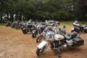 latitude-ouest-parking-motos-harley-davidson