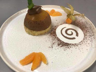 restaurant-dessert-delice-de-chocolat-et-compotee-de-mandarine