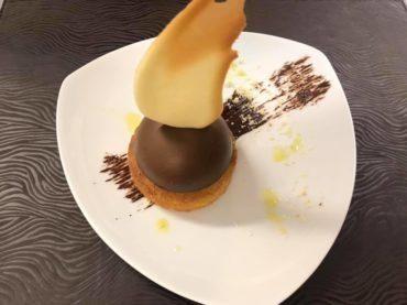 restaurant-dessert-demi-sphere-a-la-mousse-au-chocolat