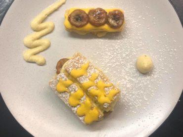 restaurant-dessert--petits-gateaux-a-la-banane